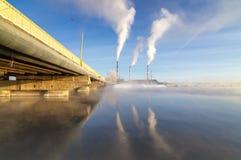 Panorama do reservatório de Reftinsky com central elétrica, Rússia, Ural fotografia de stock