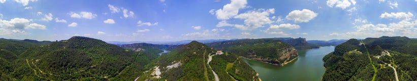 Panorama do reservatório de Sau em Catalonia imagens de stock