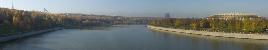Panorama do rio de Moskva Fotografia de Stock Royalty Free