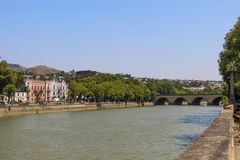 Panorama do Rio Kura de Tbilisi imagens de stock