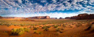 Panorama do vale do monumento no nascer do sol Imagem de Stock