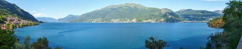 Panorama do verão de Como do lago (Itália) Imagem de Stock