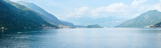 Panorama do verão de Como do lago (Itália) Fotos de Stock