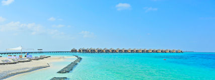 Panorama dos bungalows de Maldives Foto de Stock