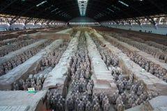Guerreiros e cavalos do terracotta de Xian fotos de stock