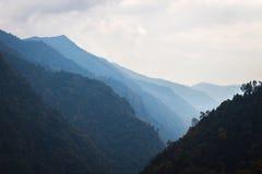 Panorama dos Himalayas na mola de Nepal Foto de Stock