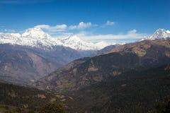 Panorama dos Himalayas na mola de Nepal Imagens de Stock Royalty Free