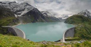 Panorama du barrage supérieur 1, Stauseen, Autriche de Kaprun photographie stock