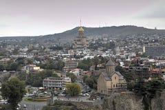 Panorama du centre de la ville de la forteresse Narikala image libre de droits