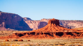 Panorama du hub et de quelques huttes traditionnelles traditionnelles d'Indien de Navajo Photos libres de droits