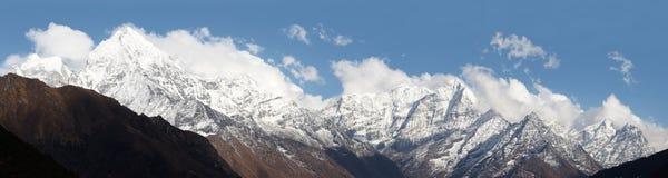 panorama du Népal de montagne de l'Himalaya Photographie stock libre de droits