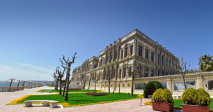 Panorama du palais de ÃıraÄan Photographie stock