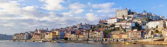 Panorama du secteur de Ribeira de la ville de Porto, Portugal Photographie stock libre de droits