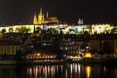 Panorama du St Vitus Cathedral à Prague photographie stock libre de droits
