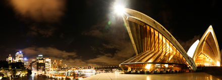 Panorama du théatre de l'$opéra de Sydney Photo libre de droits