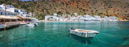 Panorama du village scénique de Loutro en Crète Grèce Photographie stock libre de droits
