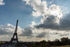 Panorama- Eiffeltornutsikt som tas från Trocadero i Oktober Royaltyfri Fotografi