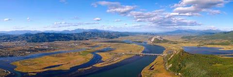 Panorama eines Munds des Flusses. Stockfotografie