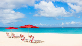 Panorama eines schönen karibischen Strandes lizenzfreie stockfotos