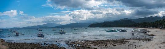 Panorama eines Strandes in den Philippinen Stockfotografie