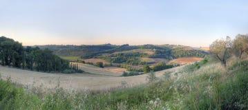 Panorama eines toskanischen Sonnenuntergangs landscape1 stockbild