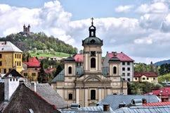 Panorama en ciudad vieja de la explotación minera de Banska Stiavnica Foto de archivo