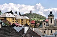 Panorama en ciudad vieja de la explotación minera de Banska Stiavnica Fotos de archivo libres de regalías
