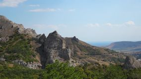 Panorama en gezoem van bergen in de Krim stock video