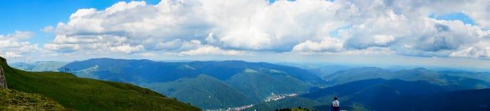 Panorama en montagnes de Bucegi, Roumanie Photographie stock