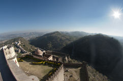 Panorama encima del fuerte del kumbhalgarh imagen de archivo libre de regalías