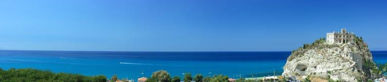 Panorama extremamente longo da skyline de Tropea Foto de Stock Royalty Free