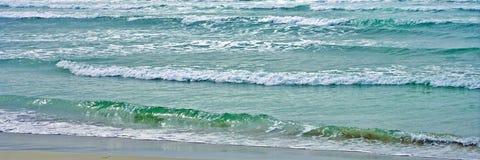 Panorama för ändlösa vågor Royaltyfri Fotografi