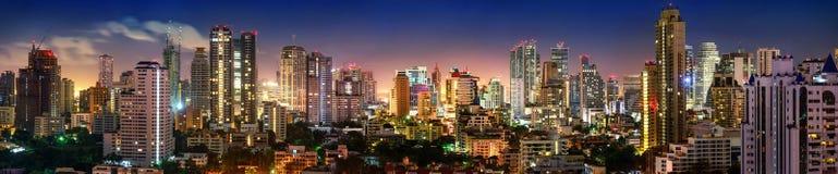 Panorama för Bangkok horisontnatt Fotografering för Bildbyråer