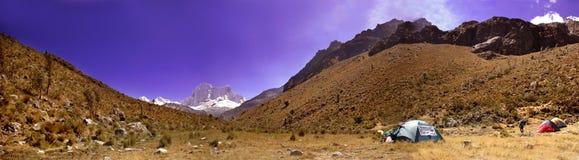 panorama för blanca cordillera Royaltyfria Foton