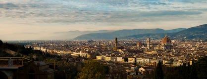 Panorama för flyg- sikt över den historiska staden av Florence, Tuscany Arkivfoton