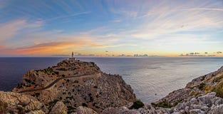 Panorama för Formentor fyrsoluppgång Royaltyfria Foton