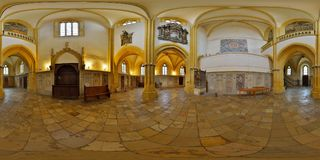 Panorama för 360 inre av Lutherandomkyrkan av helgonet Mary Western Narthex, Sibiu, Rumänien Royaltyfria Foton