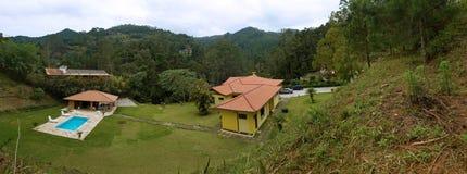 panorama för landshus arkivfoto