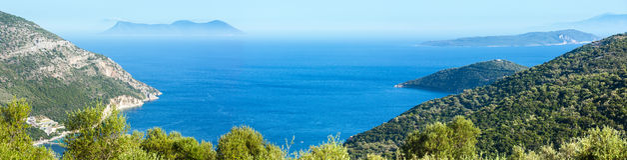 Panorama för Lefkada kustsommar (Grekland) Fotografering för Bildbyråer