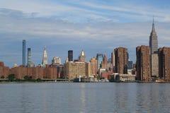 Panorama för MidtownManhattan horisont Arkivfoto