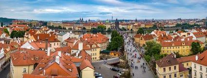 Panorama för Prague stadshorisont Arkivfoton