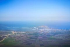 Panorama för semesterortstad från nivån Arkivfoton
