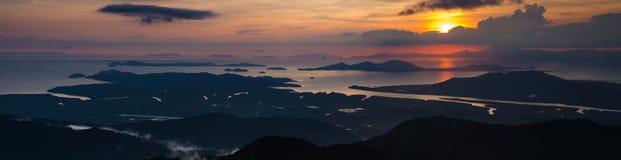Panorama för solnedgånghavssikt Royaltyfria Bilder