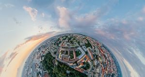 Panorama för virtuell verklighet för vr för surr 360 för Munich stadsluft arkivfoton