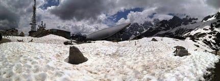 Panorama fantastico delle montagne e della neve in Aosta vicino al punta Helbronner immagini stock libere da diritti