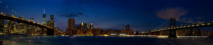 Panorama featuring the Brooklyn Bridge and Manhattan Bridge duri Stock Photography
