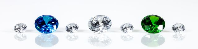Free Panorama, Flawless Brilliant Cut Jewels, Diamonds, Sapphire And Emerald Royalty Free Stock Images - 136807339