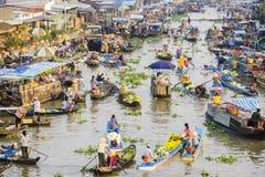 Panorama flotante del mercado de Nga Nam Foto de archivo