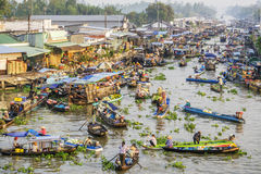 Panorama flotante del mercado de Nga Nam Fotos de archivo