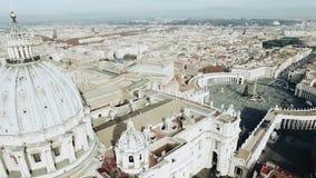 Panorama- flyg- sikt av den Rome och St Peter s fyrkanten, Vaticanen, Italien materiel Sikt från kupolen av Vaticanenhelgonet arkivfilmer